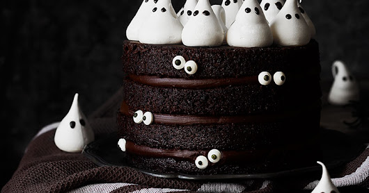 "Tarta ""fantasma"" de chocolate. Halloween"
