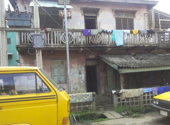 man throw wife down 2 storey building mushin lagos