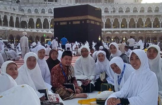 Benarkah Oki Setiana Dewi Pernah Kuliah di Ummul Qura Makkah?