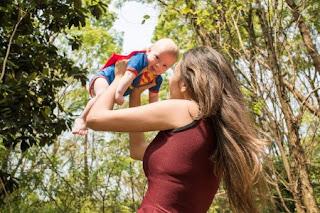 Buscamos Madres Emprendedoras Fulares portabebés y tejidos a crochet kangutingo