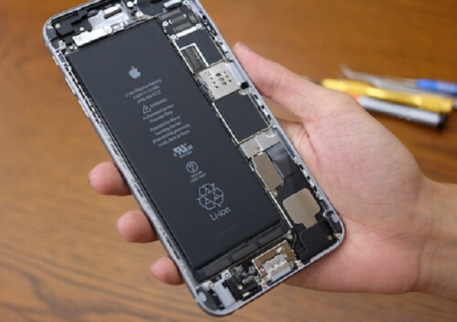 Thay pin iPhone 6S Plus chính hãng