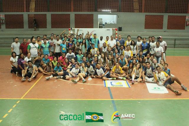 Amec realiza festival deVoleibol com alunos das escolas de iniciação esportiva Pensando no Amanha