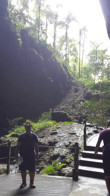 Jalan Masuk menuju gua Lagang
