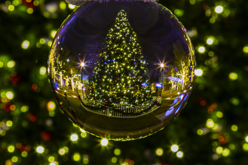 Holiday Photography Use A Crystal Ball Photographing With Kathy