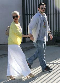 Christina Aguilera weight hot photos