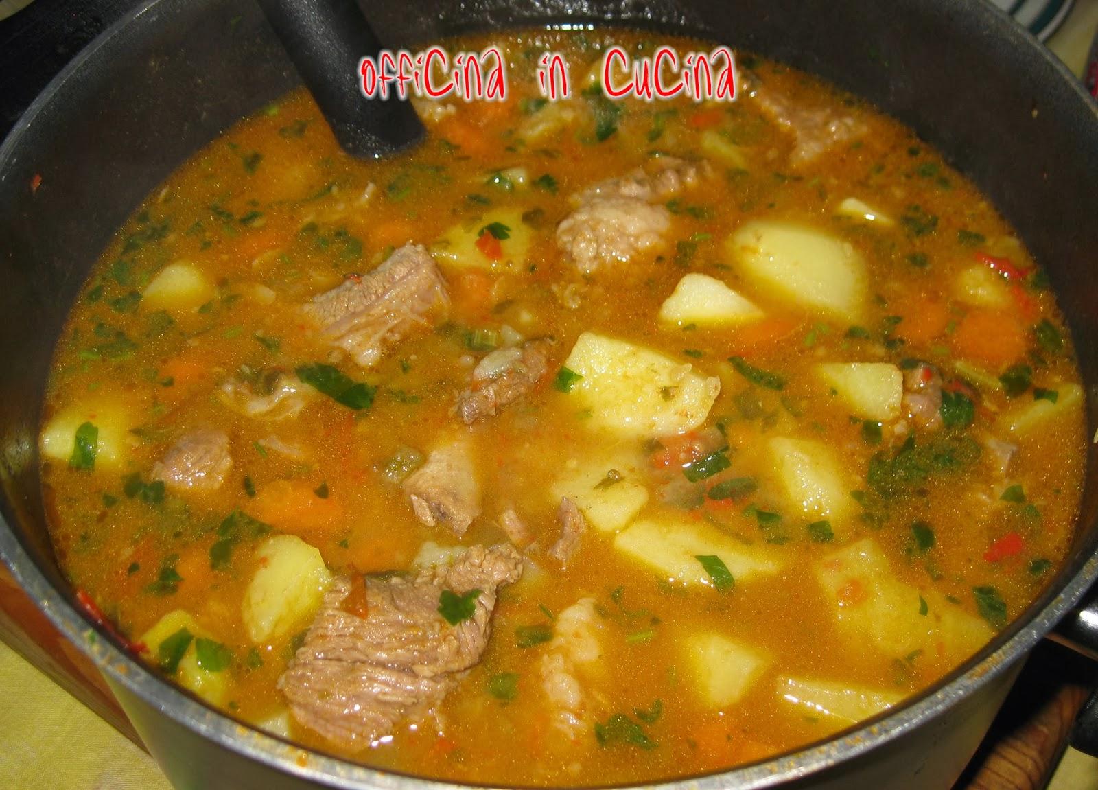 Officina in cucina gulasch alla rumena for Ricette in cucina