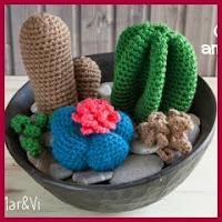 Centro de cactus amigurumi
