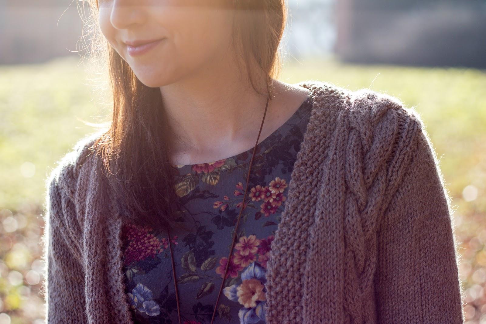 Lange Strickjacke mit Zopfmuster selber stricken - kostenlose Anleitung - Jacke selber machen - Kleidung selber stricken - Long Cardigan Free Knitting Pattern German - DIY - handmade - 07