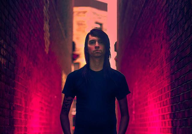 Avec The Void, Das Mortal mélange des influences de la techno allemande à des bandes originales de films d'horreur et de science-fiction.