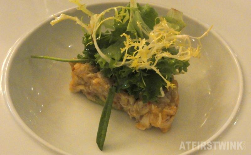 Terrine van noordzeekrab met pikante avocadomousse en kaviaar creme | Restaurant Rodin Rotterdam