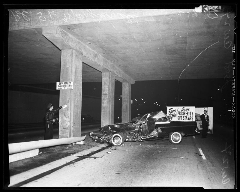 35 Incredible Photos That Capture Traffic Accidents of