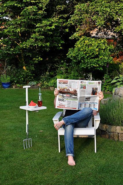 mobiler Gartentisch aus Gartenforke