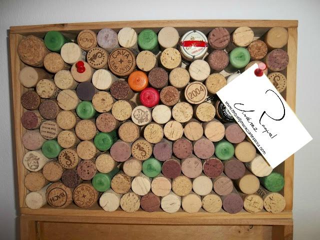Diy reciclar tapones de corcho para tabl n de notas for Tablon de corcho grande