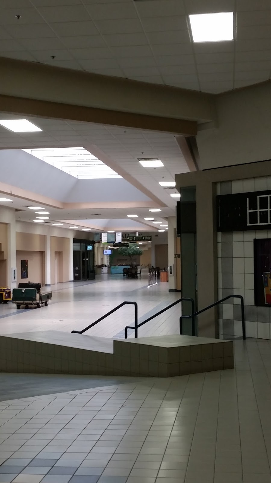 As you can see from this photo the ceilings have been renovated and look  much better 3d54d3663
