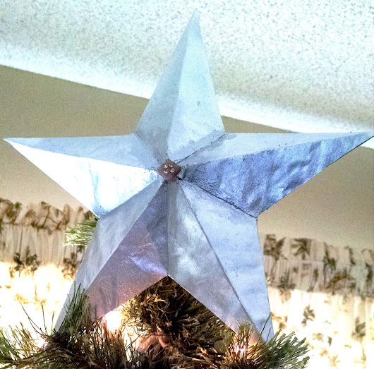 Create A 3-Demensional Paper Star Ornament Or Tree Topper