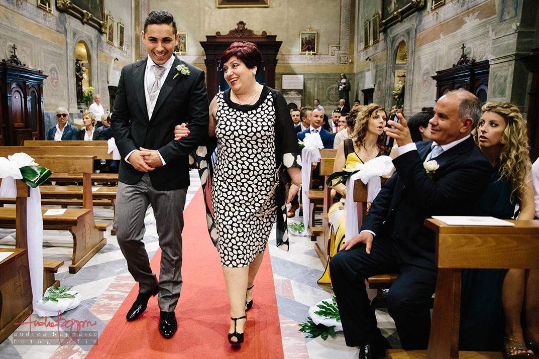 ingresso sposo fotografo matrimonio Genova