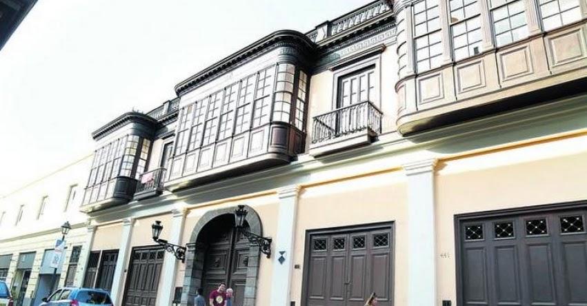 SUNEDU deniega licenciamiento a una nueva escuela de posgrado (ESIP) de José Luna
