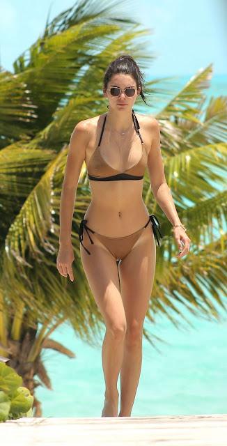 Kendall Jenner – Bikini on the beach in Turks and Caicos
