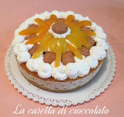 cheesecake cioccolato bianco amaretti e albicocche