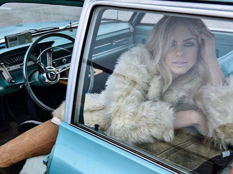 Chantal Jones Photos | Chantal Jones Hot Pic