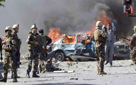 আফগানিস্তানে সামরিক ঘাঁটিতে তালেবান হামলায় ১২৬ জন নিহত