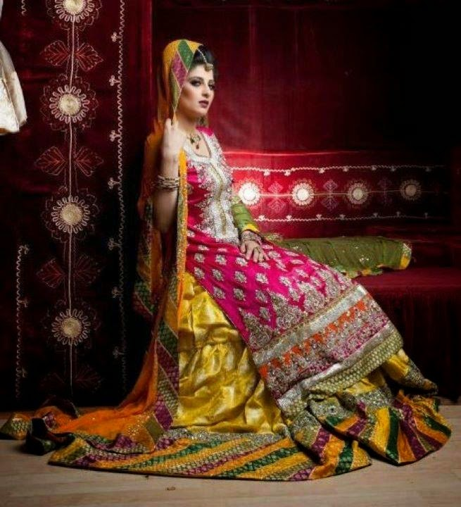 e810a85d4618 New and Latset Bridal Mehndi Dresses