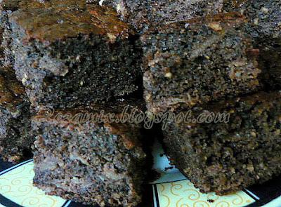 Jednostavan rogač kolač s heljdinim brašnom bez glutena