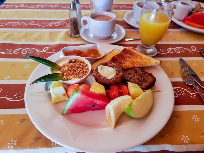 Desayuno de Alberto en el hotel Villa del sueño