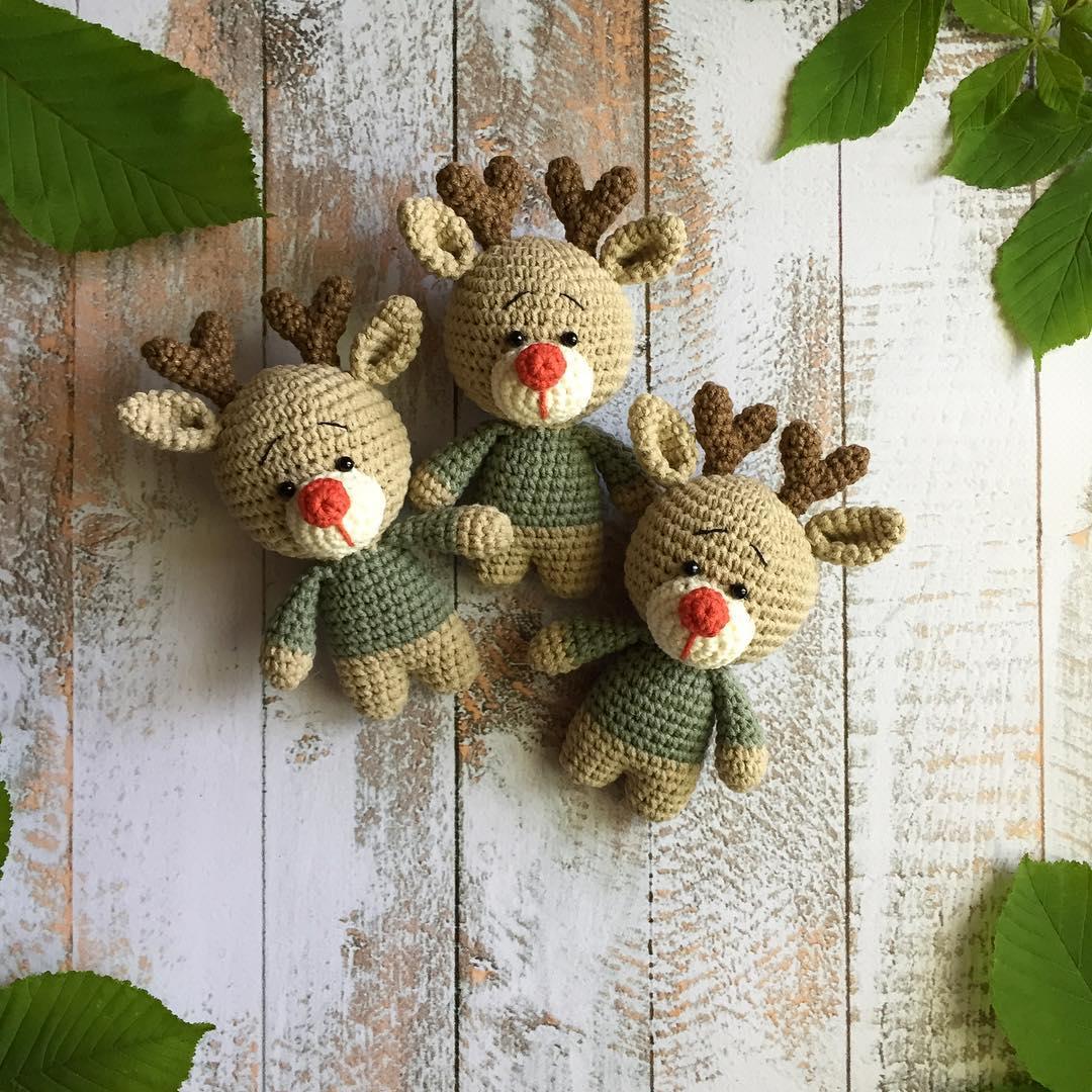 Amigurumi reindeer crochet toy
