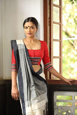Indian Beautiful Model Girl In Stylish Handloom Grey And White Saree.
