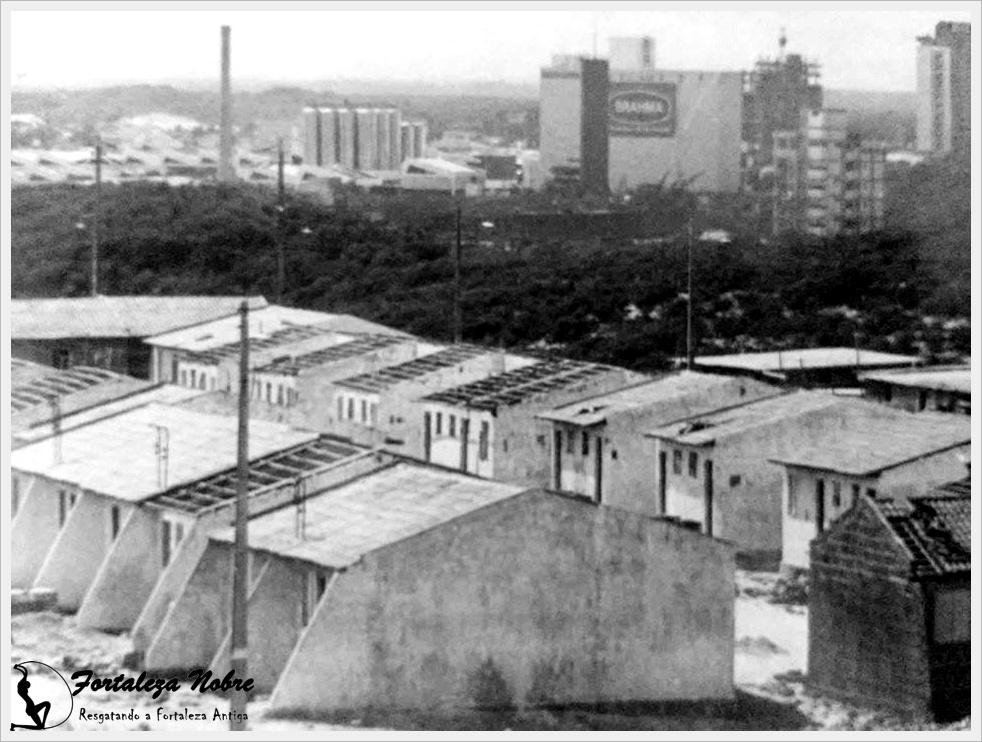 A Fábrica vista do Conjunto Santa Terzinha. Foto dos anos 80. Acervo Isabel  Aguiar c4c12efc12