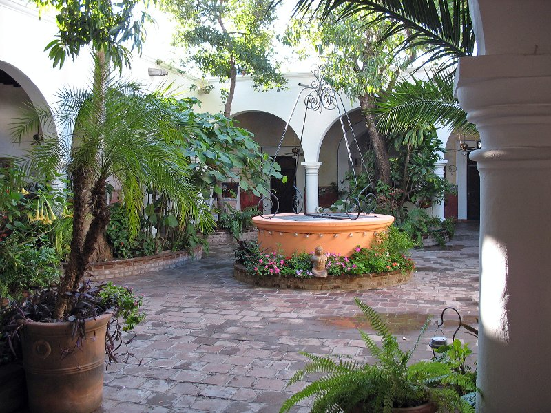 Sancarlosfortin patios y jardines coloniales de mexico for Jardines para patios