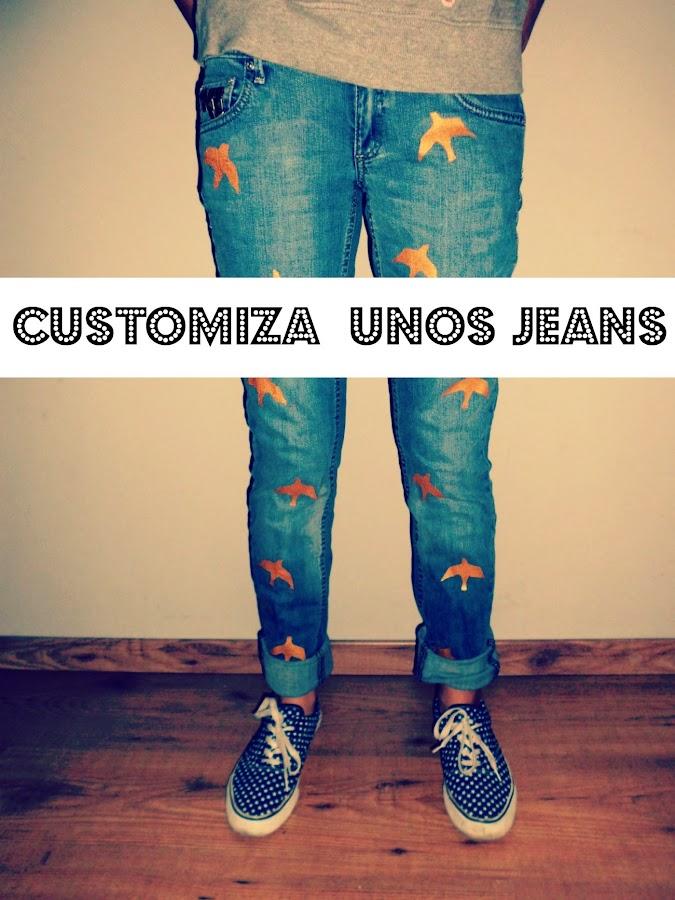 customiza unos jeans que no uses o que quieras darle un toque diferente con pintura acrilica dorada en forma de ave y tachuelas