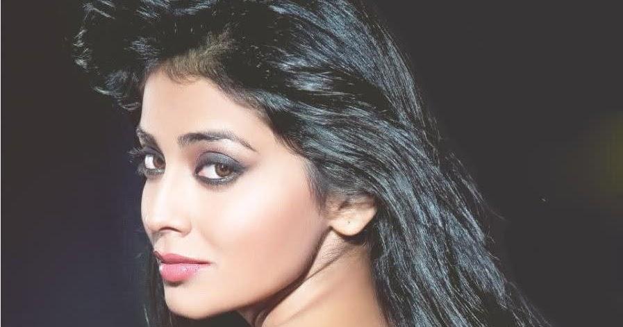 Shriya Saran High Resolution Images: Bollywood A To Z: Shriya Saran