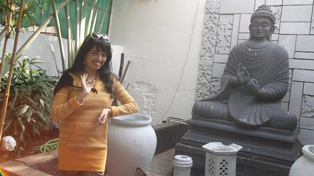 Nikita Gharat Status Family restaurant