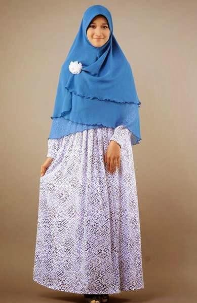 Desain baju muslim syar'i sederhana untuk sehari-hari