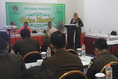 Gandeng PWI, Kejari Kota Mojokerto Gelar Workhop 'Jaksa Menulis'