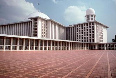 Destinasi Bangunan Bersejarah Di Indonesia