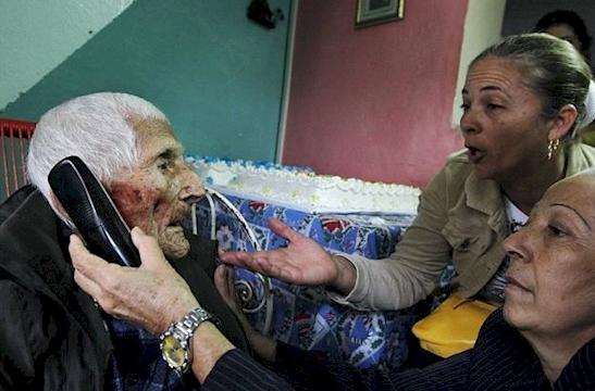 Πέθανε παρατημένος σε ένα γηροκομείο. Οι νοσοκόμες πίστευαν ότι δεν είχε κάτι μεγάλης αξίας, μέχρι που βρήκαν ΑΥΤΟ!