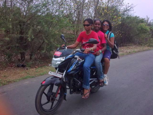 Indian girls on bikes-9648