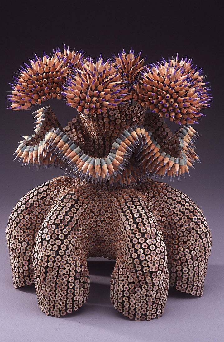 09-Kraken-Jennifer-Maestre-Creature-Pencil-Sculptures-with-a-Peyote-Stitch-www-designstack-co