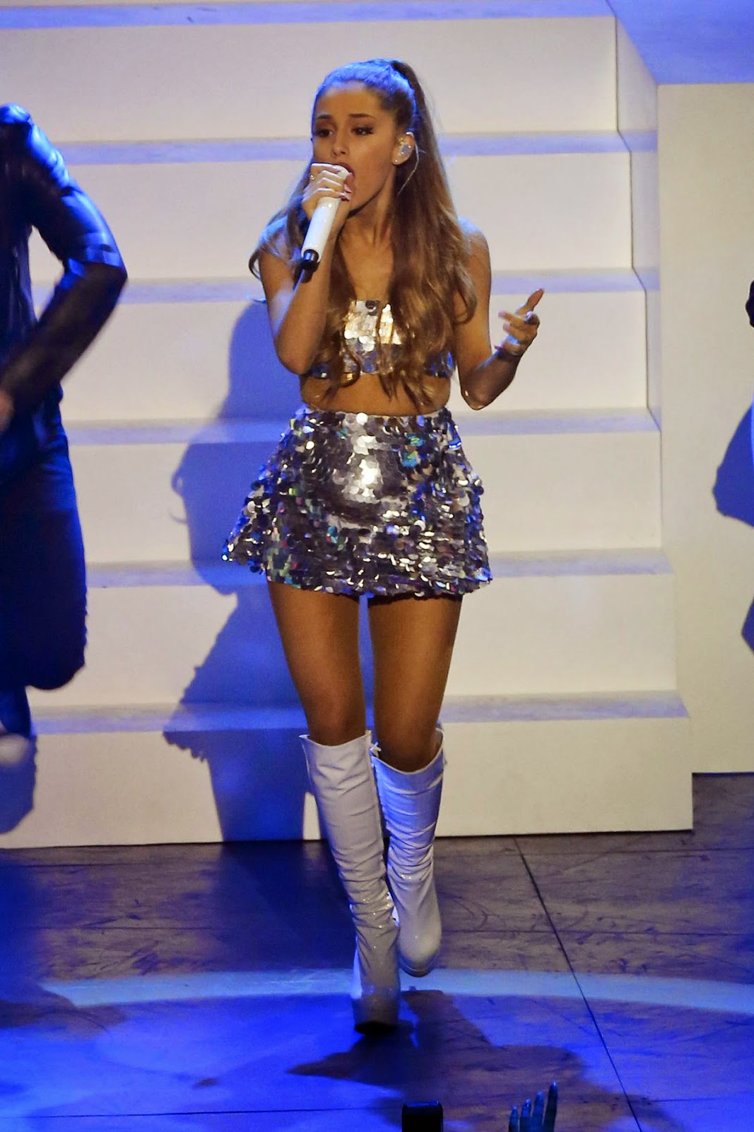Crop top & mini skirt : ArianaGrande