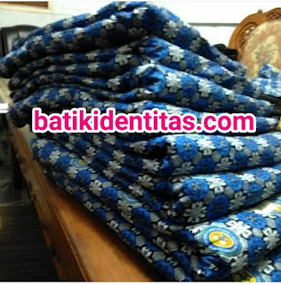 menerima pemesanan seragam batik