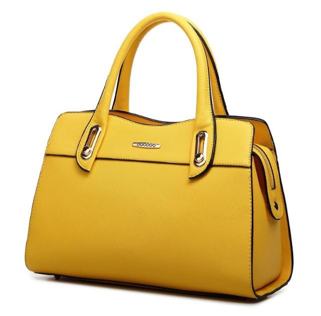 Mua túi xách nữ hàng hiệu giảm giá nên hay không nên?