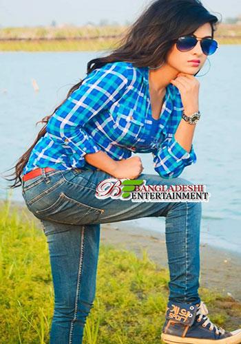Beautiful Bangladeshi girls