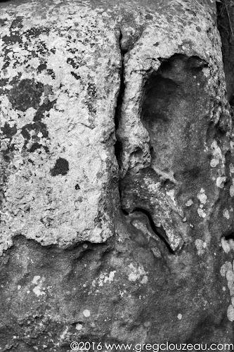 Demi-face, grès de Fontainebleau