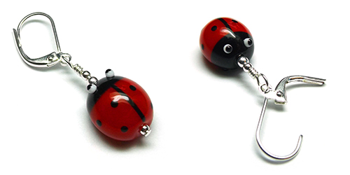 Lampwork glass ladybird (ladybug) bead crochet stitch marker by Laura Sparling