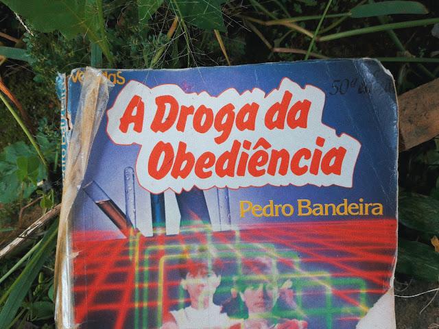 Resenha: A Droga da Obediência