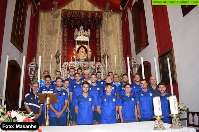 La S.D. Tenisca realizó su ofrenda a la Virgen de Las Nieves
