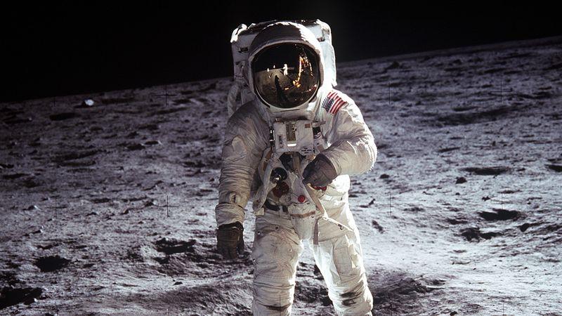 ترامب يخصص 1.6 مليار دولار إضافية لدعم عودة البشر إلى القمر